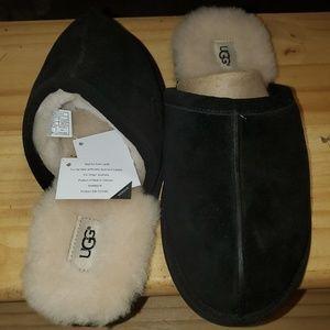 UGG. Scuff. Men's slippers